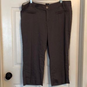 Grey Capri trousers